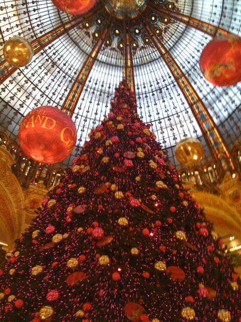 Weihnachtsbaum in der Galeries Lafayette